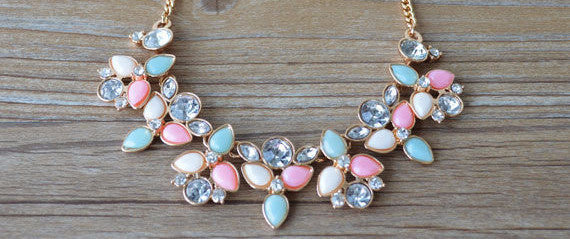 Fresh and Fancy Collier Vintage Statement Necklace