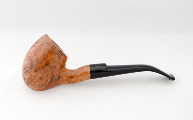 Cavalier Tribute pipe - Coral Pipes