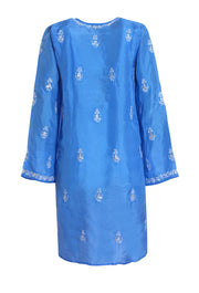 Blue silk and white embroidered kaftan