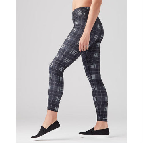 elongate legging :: black plaid
