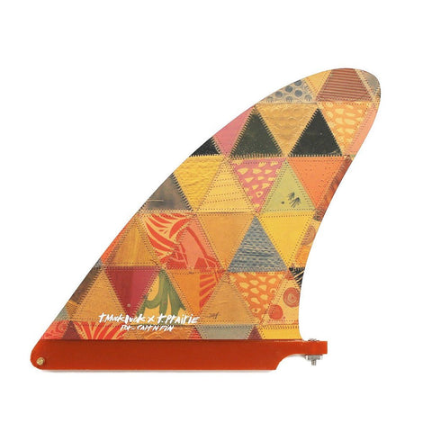 A surfboard fin by Captain Fin features a design by artist Thomas Campbell and is sold by Atacama Surf Shop