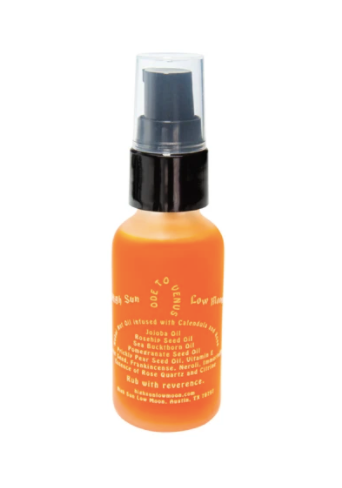 100% organic face oil by High Sun Low Moon.  Inspired by Venus, the goddess of Love, the seducer of the Divine. A delicate blend of oils infused with calendula and rose, Ode to Venus is intended as a daily skincare ritual and appropriate for all skin types. Enriching, compassionate, sensual.