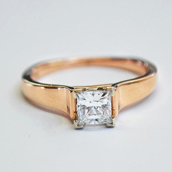Rose Cathedral Suspension Solitaire