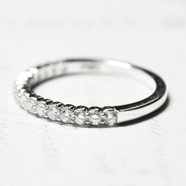 White Scalloped Milgrain Prong Set Diamond Band