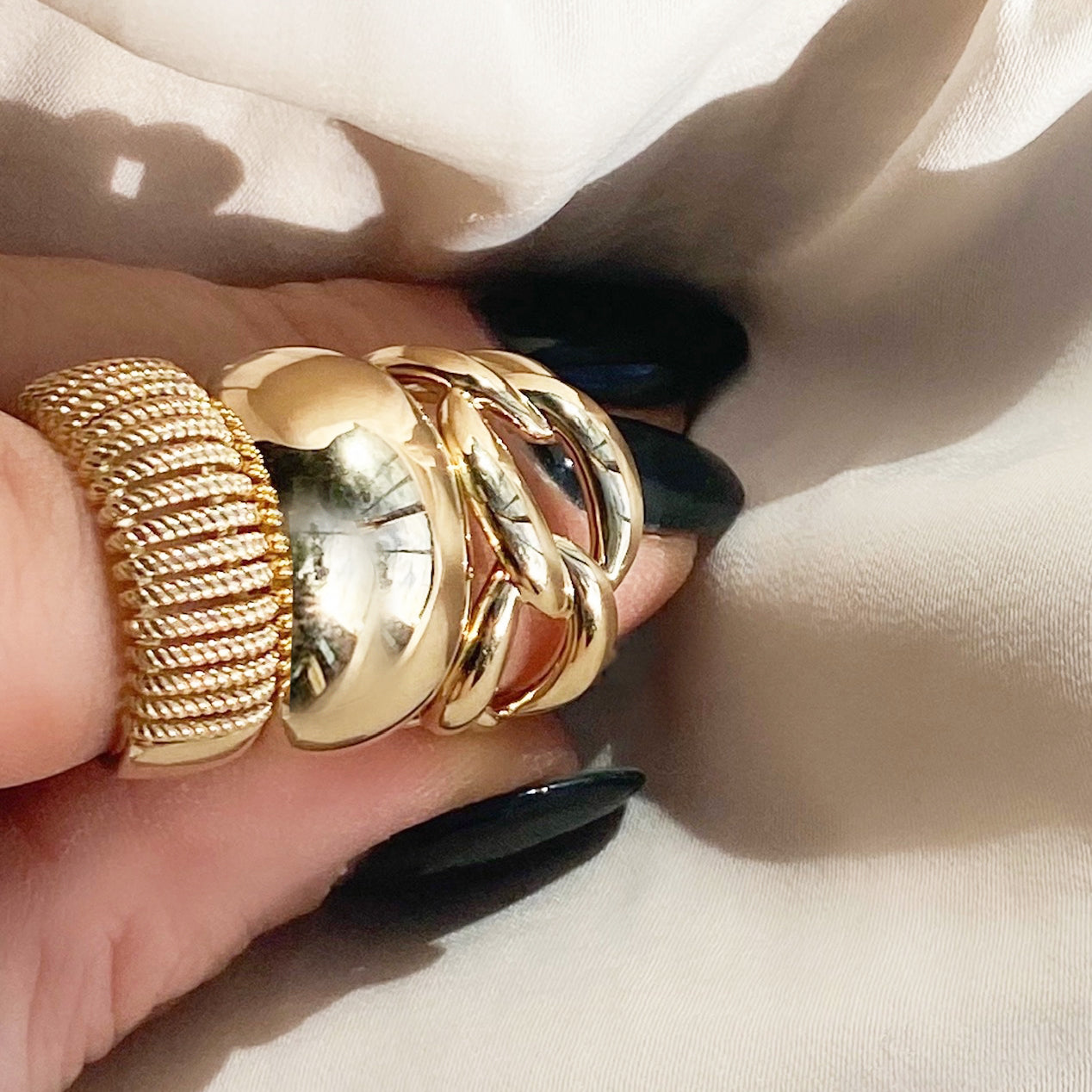 Large Textured Rope Wrap Plain Gold Band