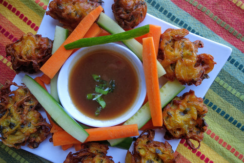 Bangladeshi Pakora (Golden Onion Fritters) with Tamarind Sauce