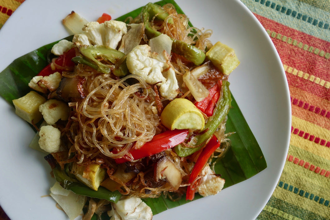 Kua Sen Lon (Vegan Glass Noodle & Vegetable Stir Fry)