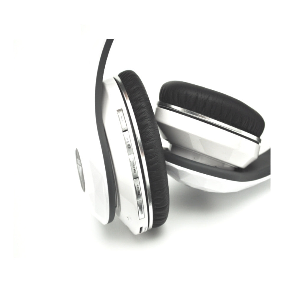 CDD Diamond Bluetooth Headphone, FM Radio, includes a 4 GB Micro SD card - 21st Century Entertainment Inc.