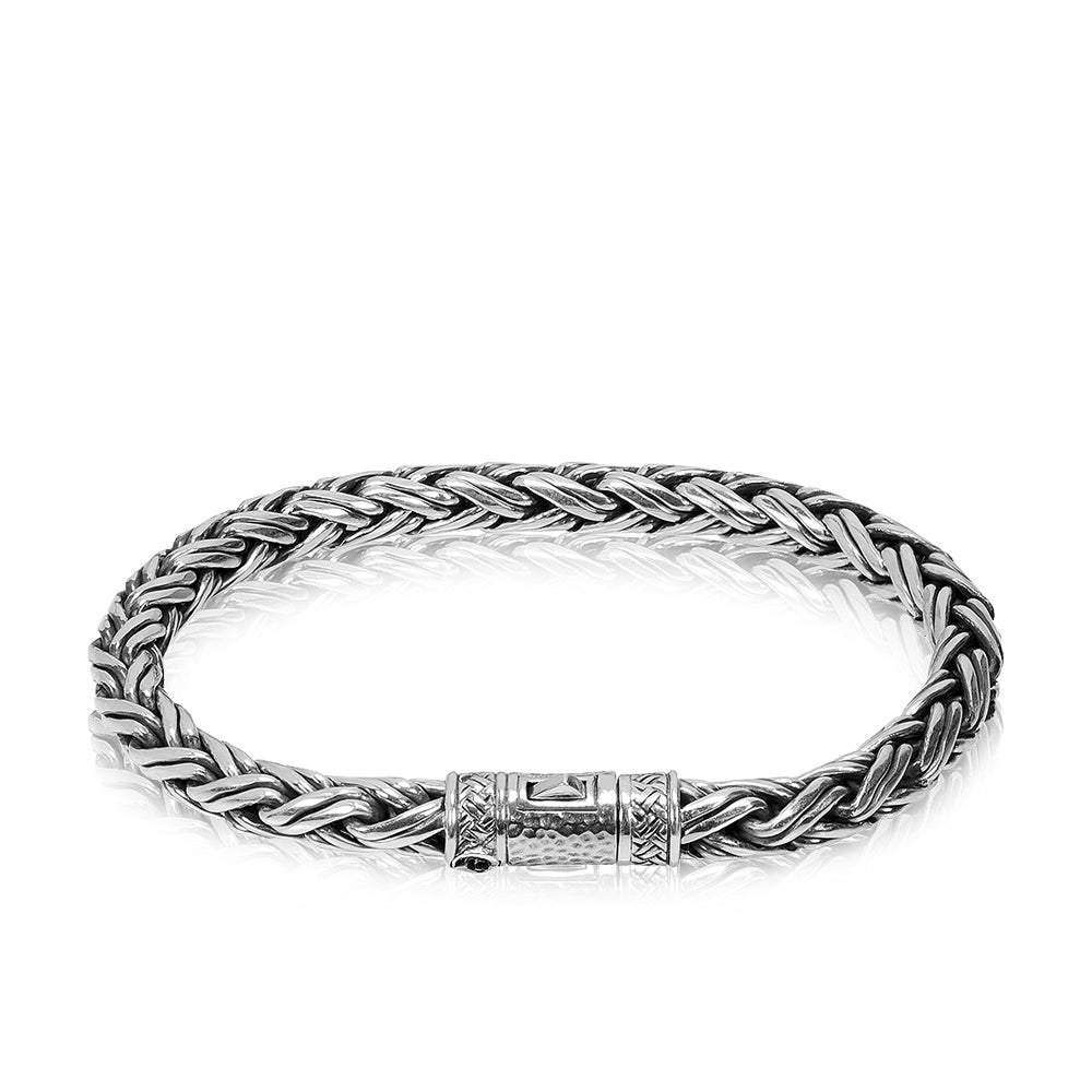 Mens Silver Jewelry is an Affordable and Vibrant Option for Jewelry Loving Men!