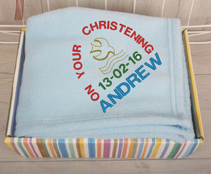 Fleece baby blanket in blue with embroidered name