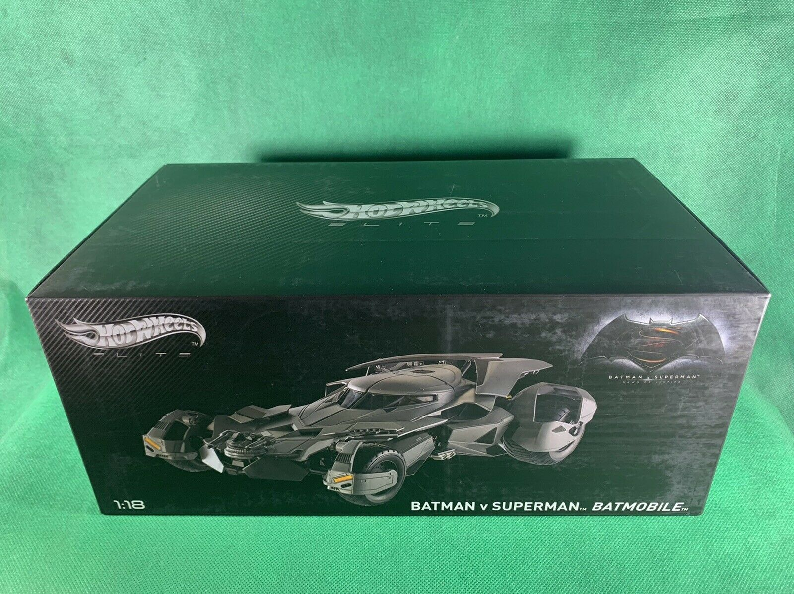 HOT WHEELS 1:18 ELITE BATMAN VS. SUPERMAN DAWN OF JUSTICE BATMOBILE DIE-CAST NEW