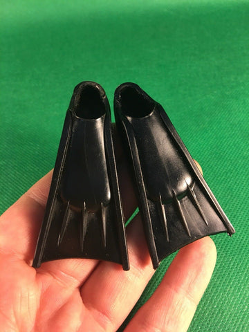 VINTAGE 1964 GI JOE -- ACTION SAILOR FROGMAN / DIVER BLACK SWIM FINS FLIPPERS
