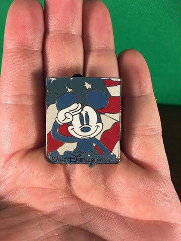 WALT DISNEY -- SALUTING PATRIOTIC MICKEY TRADING PIN 23457