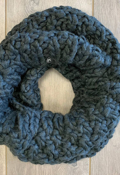 Chunky Knit Infinity Scarf Charoal