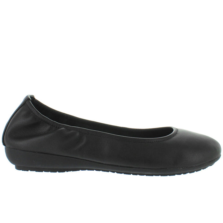 Me Too Janell - Black Leather Elasticized Low Wedge Ballet