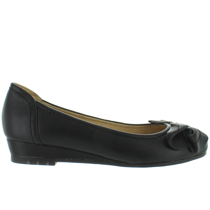 Me Too Martina - Black Leather Low Wedge Skimmer