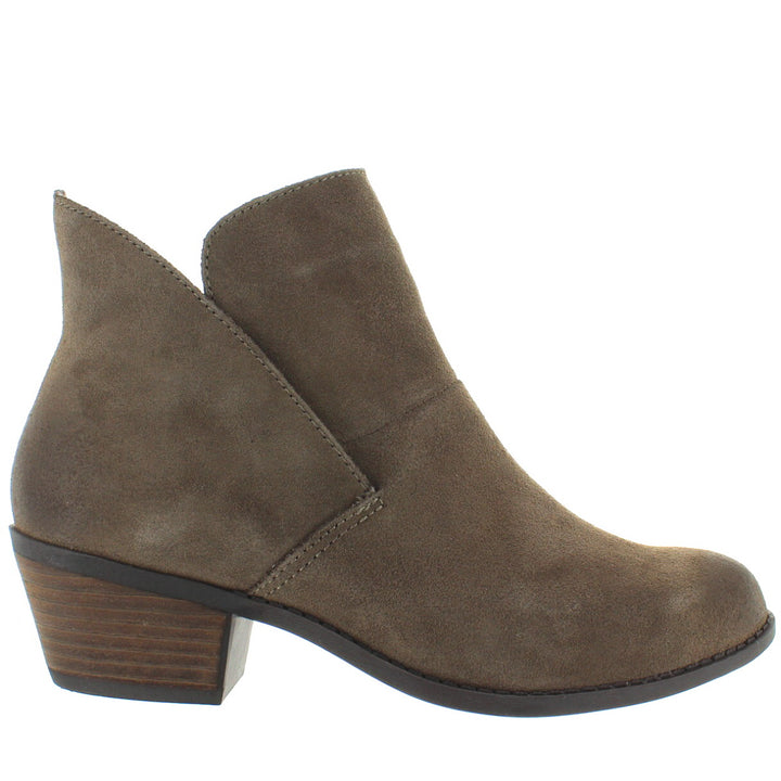 Me Too Zena - Nutmeg Suede Short Pull-On Western Bootie