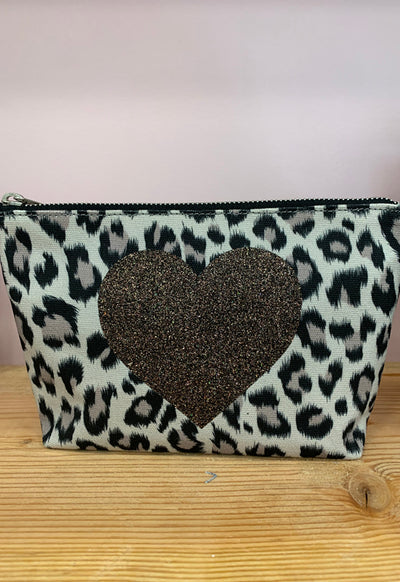 Quilted Koala - Makeup Bag Leopard with Chocolate Heart