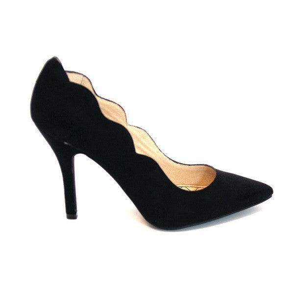 Chinese Laundry Savvy - Black Scallop Edge High-Heel Pump SAVVY-BLK
