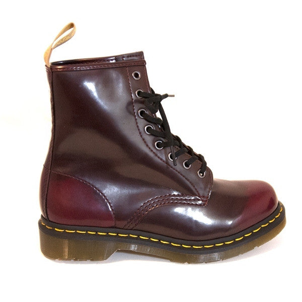 Dr Martens Cambridge - Vegan Cherry Red 8-Eye Short Lace-Up Boot