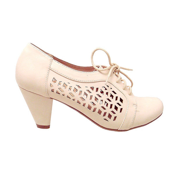 Chelsea Crew Rosie - Bone Laser-Cutout Lace-Up Oxford Pump
