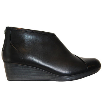 Eastland Arianna - Black Leather Back Zip Wedge Bootie