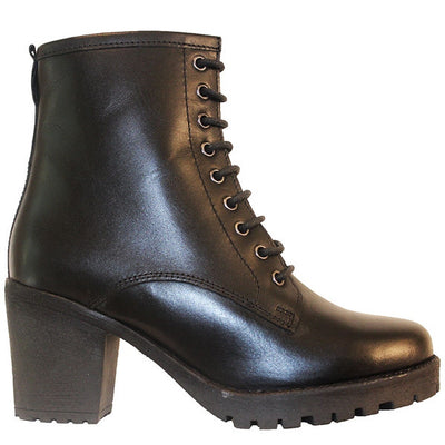 Chelsea Crew Energy - Black Leather Lace-Up Chunky Lug Boot