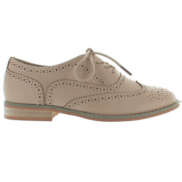 Wanted Babe - Natural Wing-Tip Lace-Up Oxford