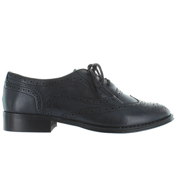 Wanted Babe - Black Wing-Tip Lace-Up Oxford