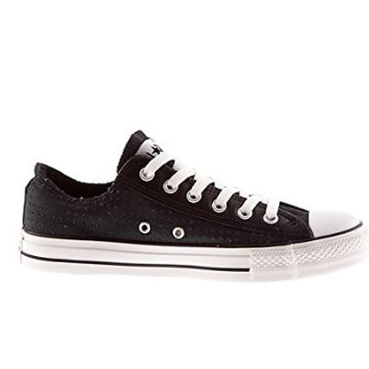 Converse Chuck Taylor - Perf Black Low-Top Sneaker