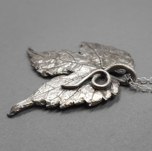 Porcelain Berry Leaf Pendant in Fine Silver