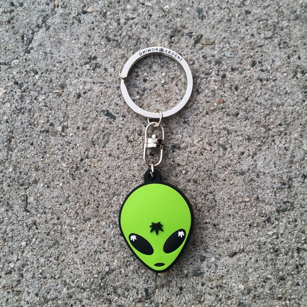 ALIEN - KEYCHAIN - Growing Gardens Clothing