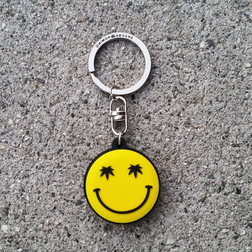 SMILE - KEYCHAIN - Growing Gardens Clothing