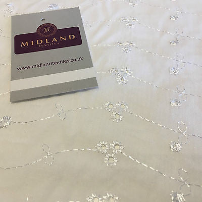 "White Broderie Anglaise Polycotton Dress Fabric 3 Hole 58"" M690 - Midland Textiles & Fabric"