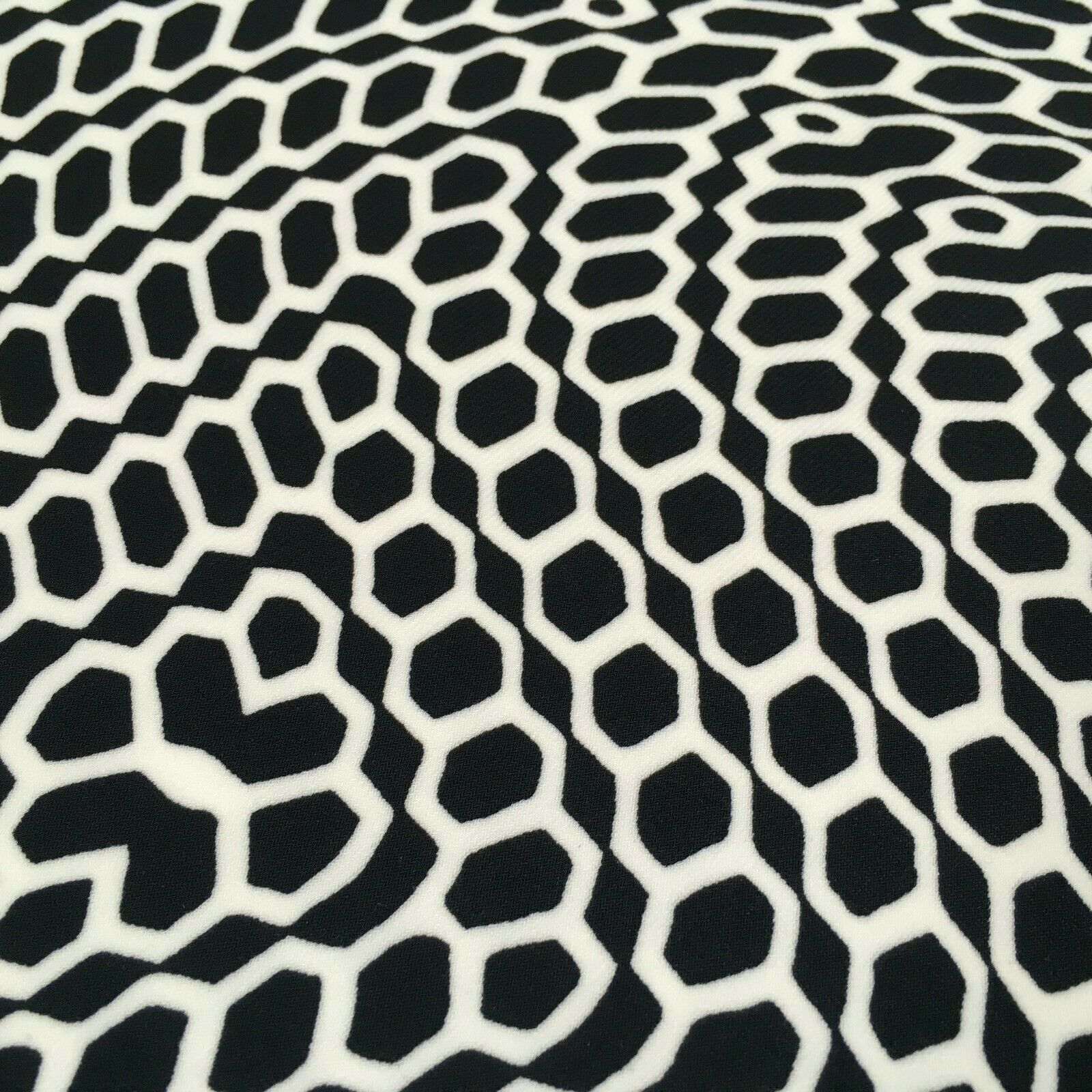 Black geometric Stretch Ity Spandex Dress Fabric 147 cm M1220-6 Mtex