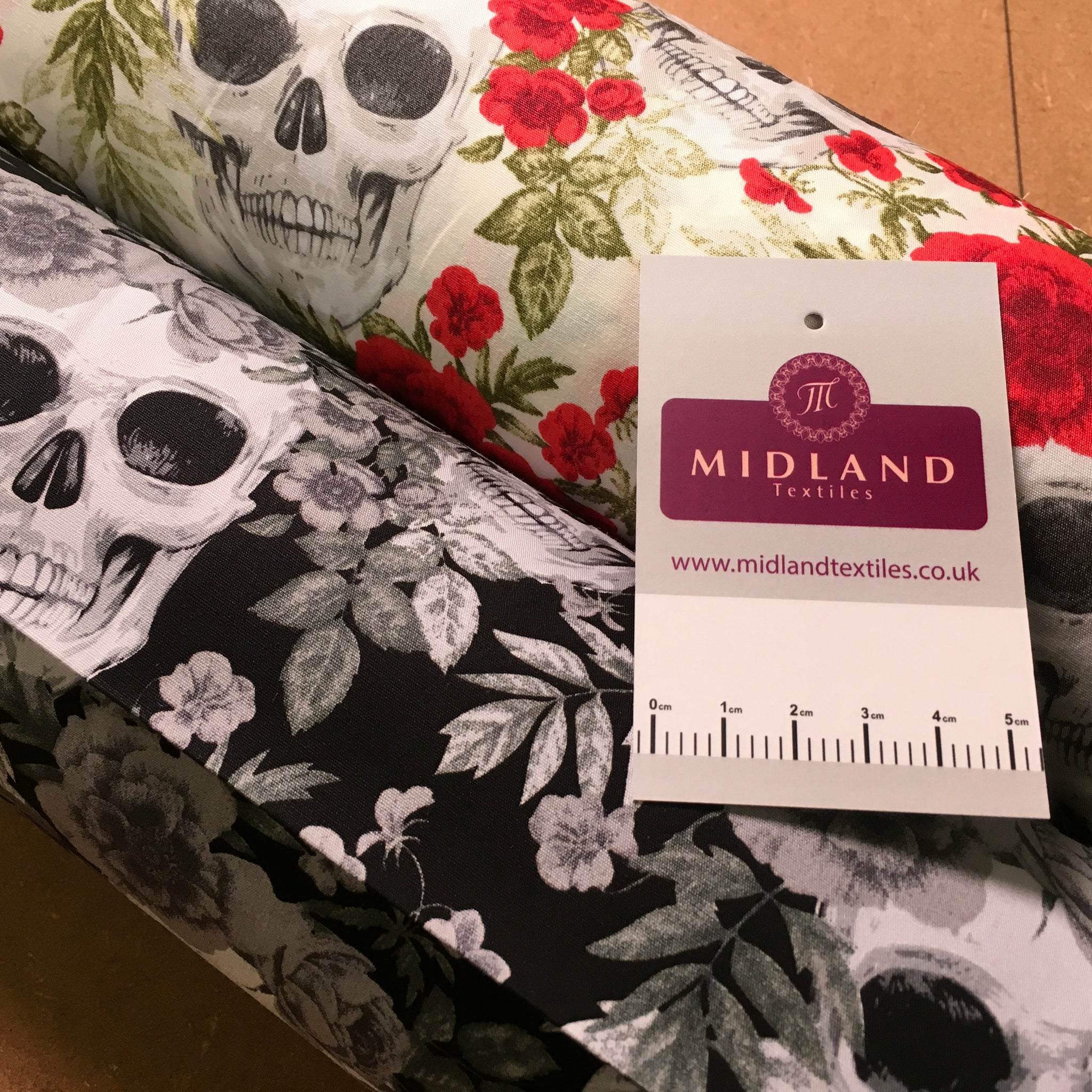 Skull and roses printed 100% cotton poplin craft mask Fabric 110 cm MD1395 Mtex