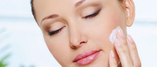 Holding the key points of skin care by moisturizing making it easier in the winter