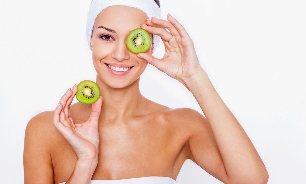 How_Your_Diet_Affects_Your_Skin-Can_you_get_rid_of_oily_skin_with_facial_blotting_paper