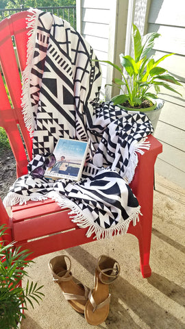 Geometric Print Fringed Beach Towel