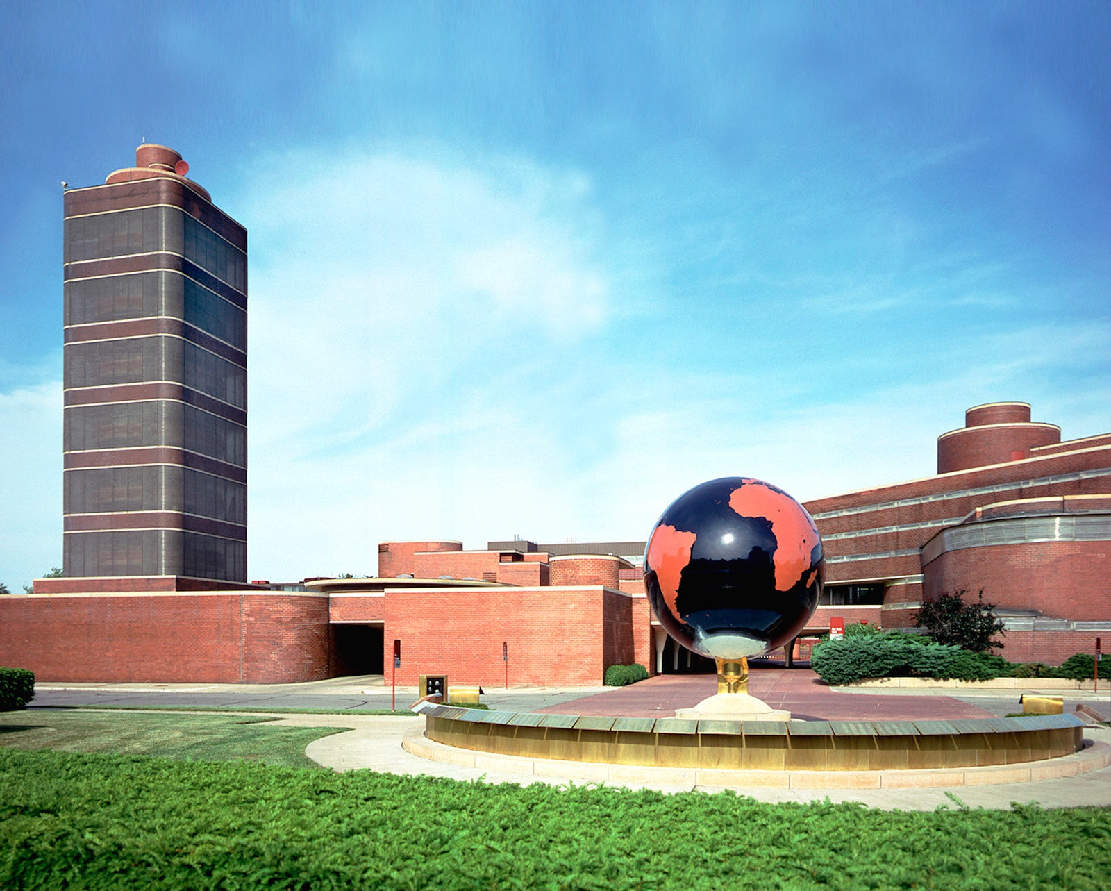 SC Johnson Administration Building and Research Tower-Frank Lloyd ...
