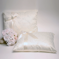A set of Wedding Kneeling Pillow : Floral Embroidery with Bow - Annie's showroom