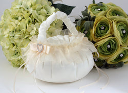 Flower Girl's Basket with Heart Buckle - Annie's showroom