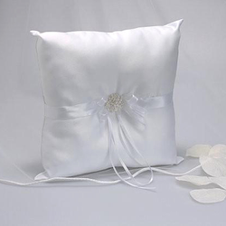White Ring Pillow with Beads - Annie's showroom