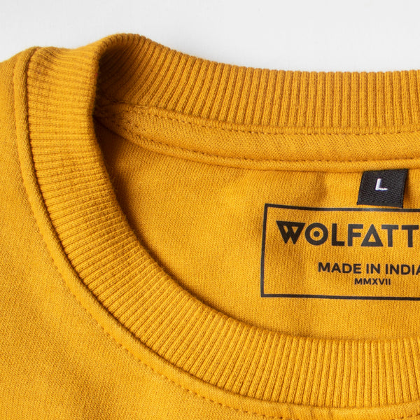 mustard yellow sweatshirt close up neck_Wolfattire