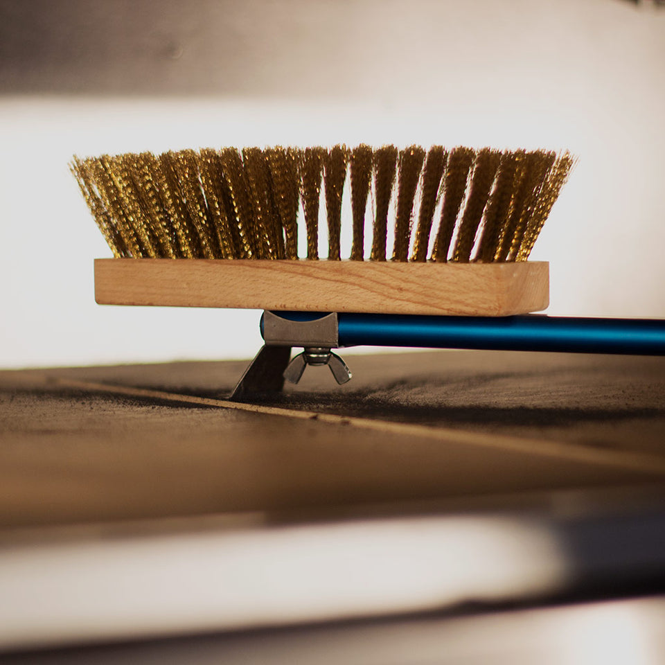 Large Rotating Head Pizza Oven Brush with Brass Bristles - Azzurra Line