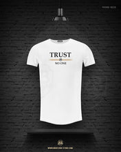 "Men's T-shirt ""TRUST NO ONE"" MD976"