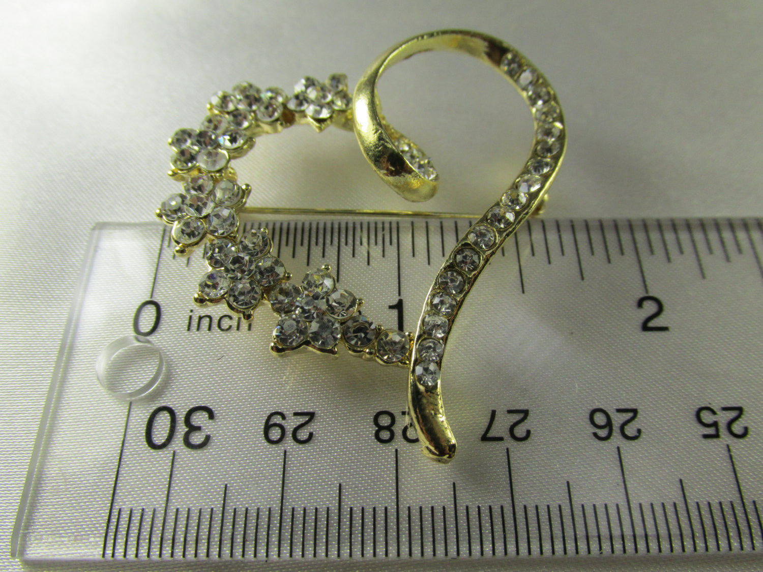 Gold Heart Brooch with Clear Crystals - Odyssey Cache - 4