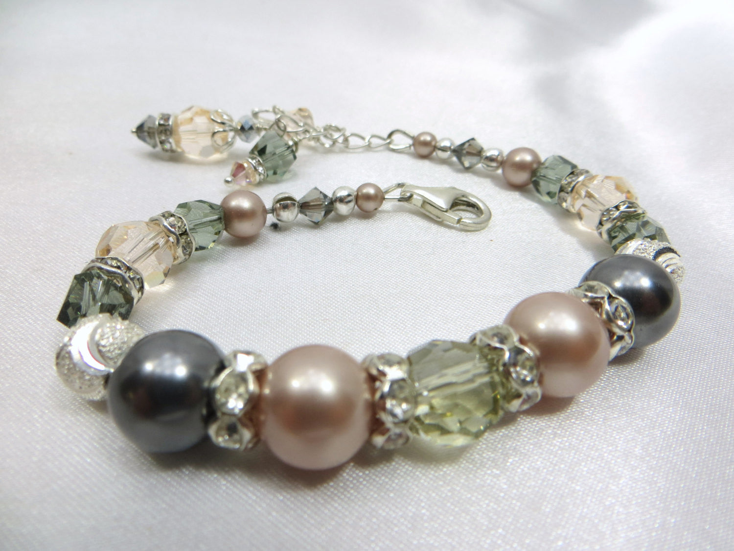 Vintage Inspired Bridal or Bridesmaid Swarovski Bracelet in Pink Champagne & Gray Pearls with sterling silver dragonfly charm - Odyssey Creations