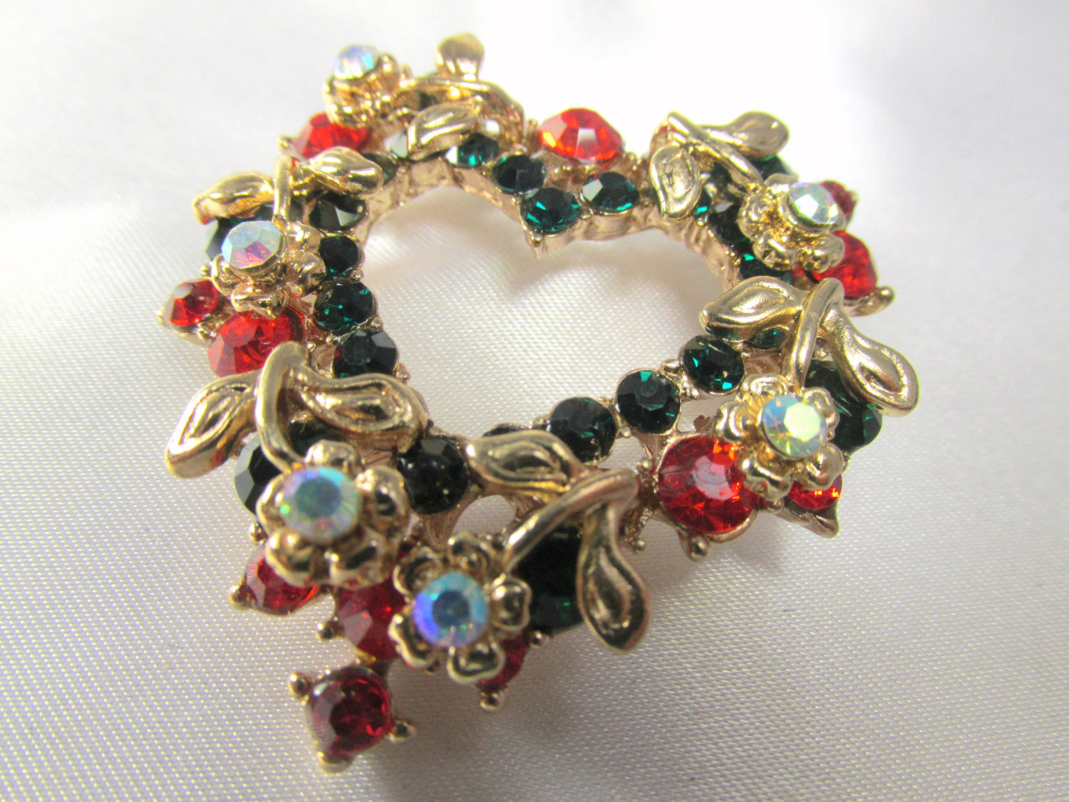 Christmas Heart Wreath Brooch in Green, Red, Crystal AB and Gold - Odyssey Cache - 5