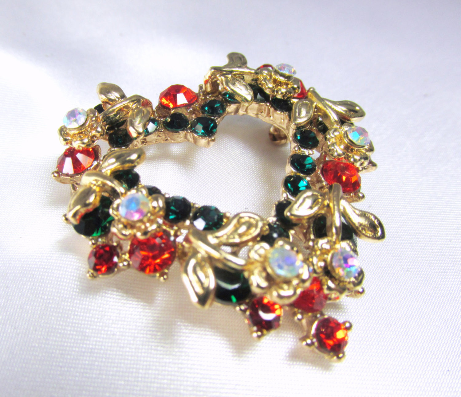 Christmas Heart Wreath Brooch in Green, Red, Crystal AB and Gold - Odyssey Cache - 2